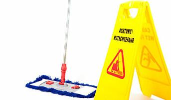 Unngå uhell på nyvaskete og glatte gulv
