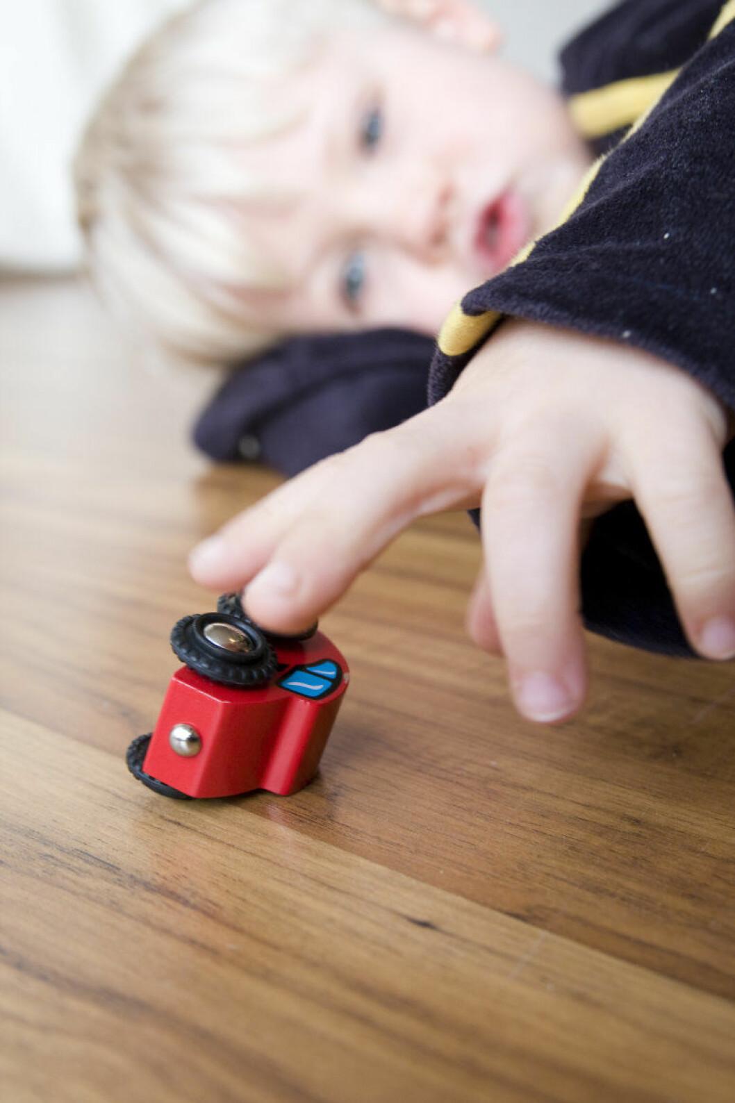 barn_leker_colourbox