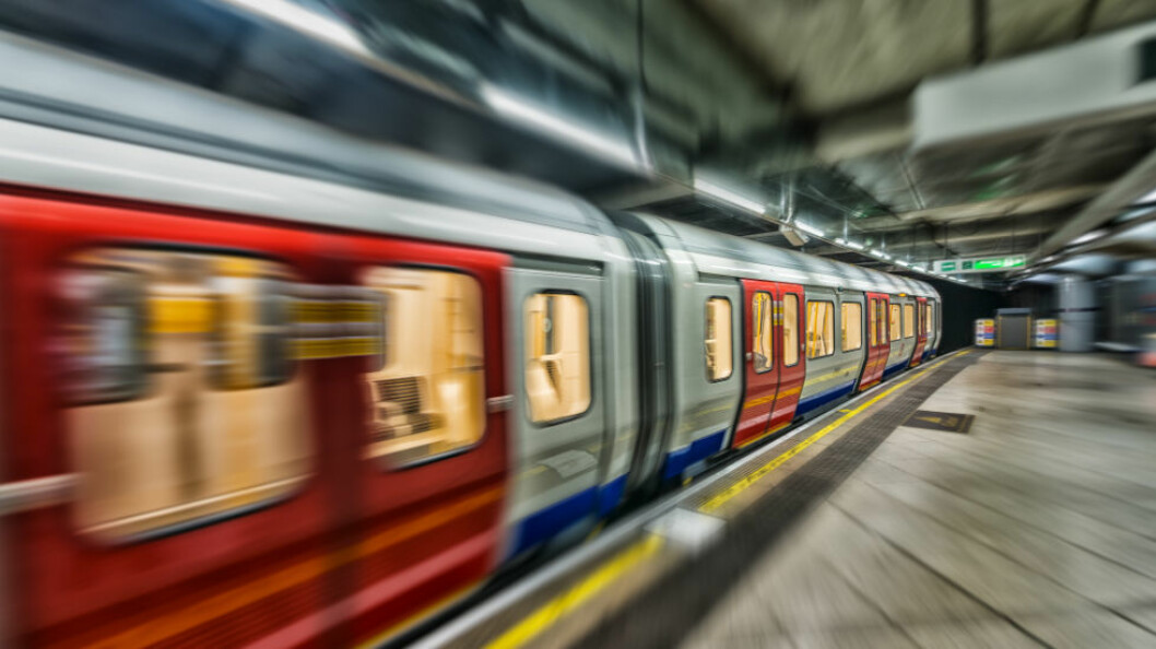 Det er funnet et rikholdig utvalg farlige bakterier i Londons t-bane-vogner. Nå skal de rengjøres grundig. (Ill.foto: Colourbox)