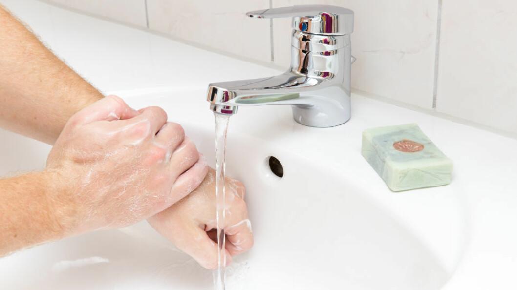 Seks av ti vasker hendene grundig sånn noenlunde grundig etter dobesøk, menst resten er heller sløve. (Ill.foto: Colourbox)