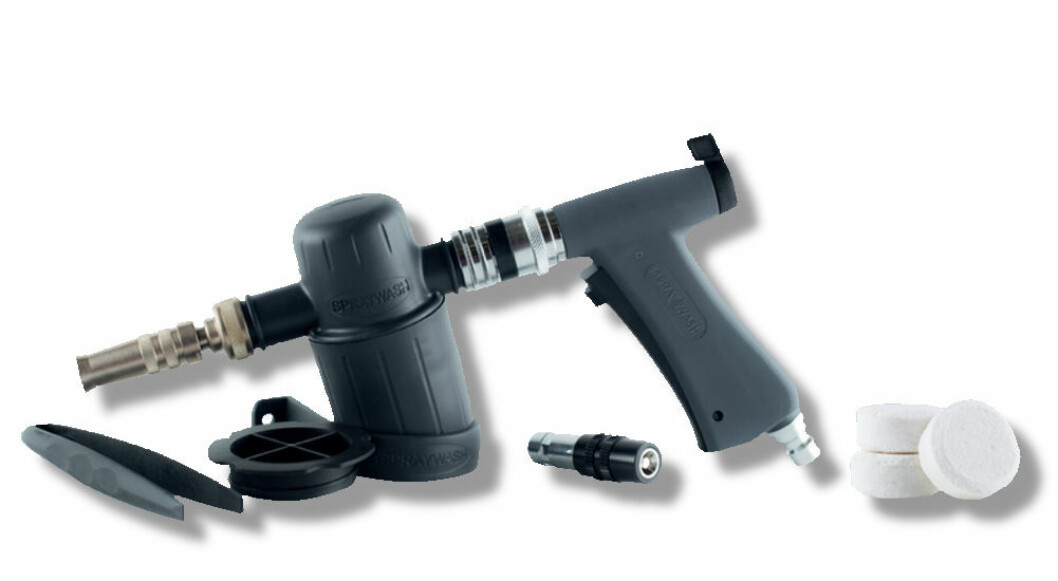 Pistolgrep, utstyr og tabletter i Spraywash-systemet. (Foto: PLS)