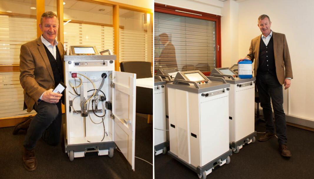 Arkiv-bilde som viser robotene og Bjørn Platou, adm.dir. i Decon-X.