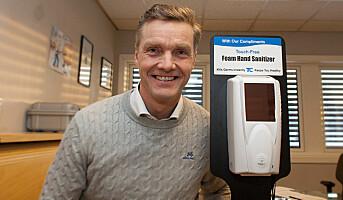 Berøringsfri solcelle-dispenser