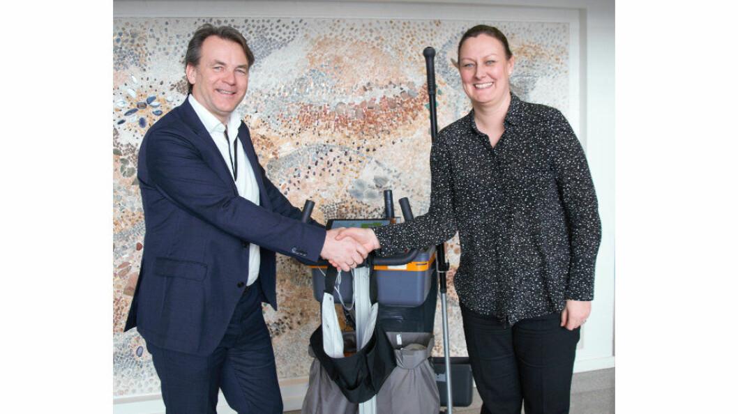 Jørgen Sannesmoen, CEO i Datec og Karolina Henriksen, CEO i Lilleborg. (Foto: Lilleborg)