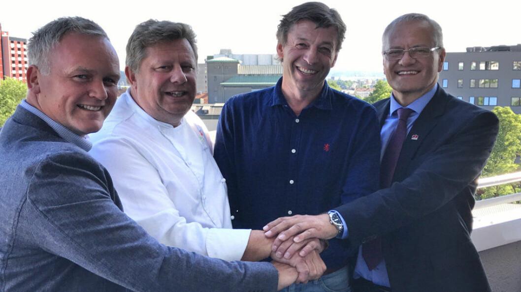 Fra venstre; Frode Standahl, Erland Ødegården, Kjell Ivar Gudbrandsen og Region Direktør i AB Solutions Øst, Nils Øyvind Hillestad. (Foto: AB Solutions)