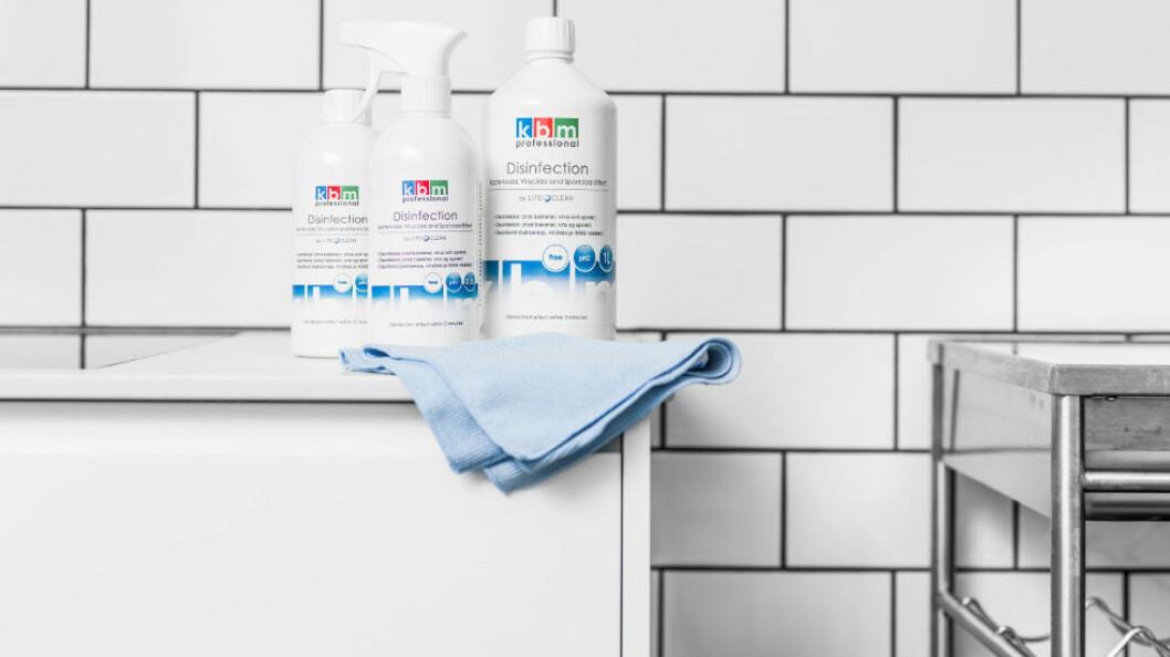 KBM Disinfection by LifeClean skal være 99,6 prosent vannbasert. (Foto: Procurator)