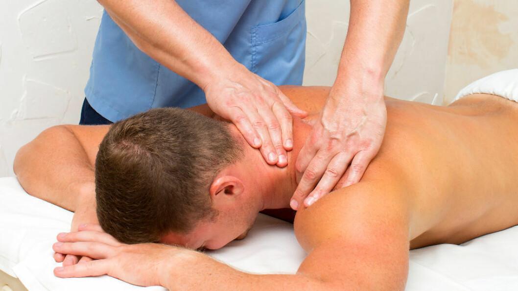 Fysioterapeutens behandling skal gjøre pasienten 20 prosent bedre på 10 færre dager enn den naturlige bedringen, for at pasienten synes det betaler seg å gå til fysioterapeut. (Ill.foto: Colourbox)