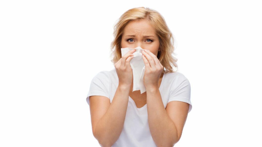 Iblant er man nødt til å jobbe i nærheten av personer med influensa. Det finnes likevel noe du kan gjøre for å redusere risikoen for å bli smittet. (Ill.foto: Colourbox)