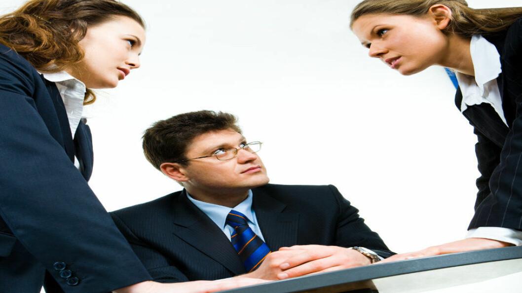 Hvis du ligger i konflikt på jobben og går til lege for å sykmelde deg, pass på hva du sier når du kommer til legen, anbefaler advokat. (Ill.foto: Colourbox)