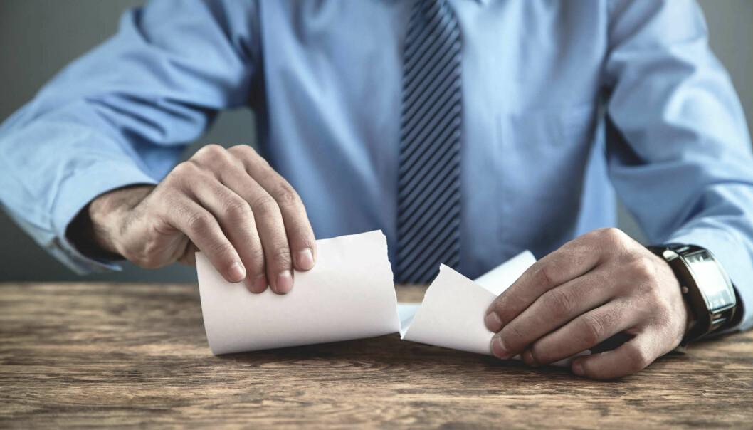 Mange offentlige kontraktsforvaltere trekker nærmest automatisk en konklusjon om at vilkårene for å suspendere eller heve kjøp og driftsavtaler er oppfylt, mener NHO Service og Handel.