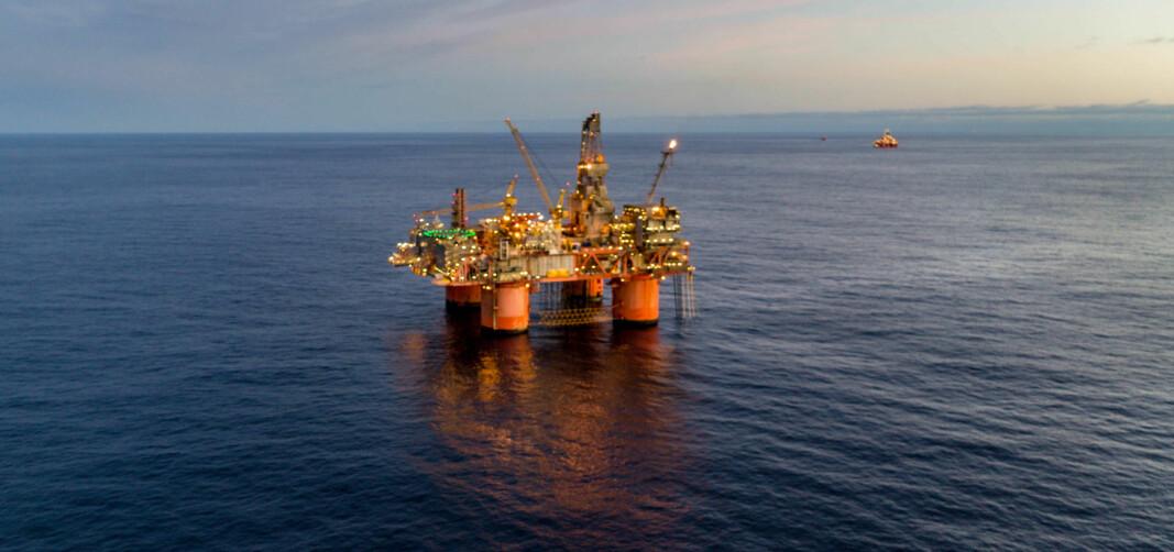Avtalen omfatter servicetjenester til Equinors personell på oljeplattformene Snorre A (bildet) og B samt Statfjord A, B og C.