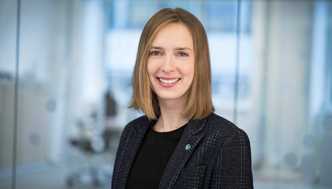 Næringsminister Iselin Nybø (V) påpeker at det er uheldig at offentlig sektor ikke er flinke nok til å dele opp store kontrakter.