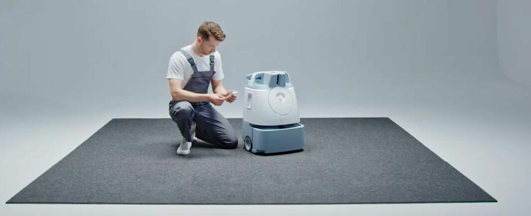 En rapport fra SoftBank Robotics viser at FM-ledere ønsker tilgang på ny teknologi uten å måtte gjøre store innhugg i investeringsbudsjettet. De står blant annet bak roboten Whiz (bildet).