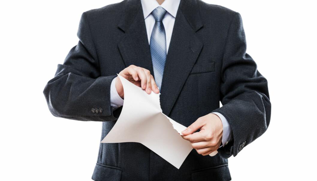 Ved vurdering av kontraktsforhold er det viktig å skille mellom hvorvidt myndighetene gir et direkte yrkesforbud eller om de bare henstiller arbeidstakere til å holde seg hjemme, unngå kollektivtransport og annet.