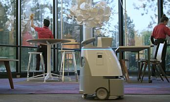 AutoClean signerer avtale om roboten Whiz