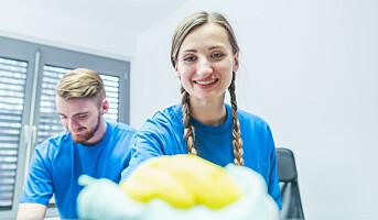 Polakker med doktorgrad jobber som renholdere
